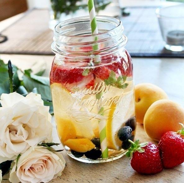 agua de fresa y limón